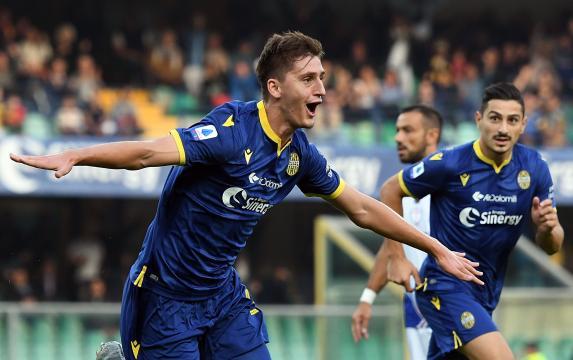Il Napoli ha l'accordo con il Verona per Kumbulla, ma non quello con il calciatore che chiede tempo