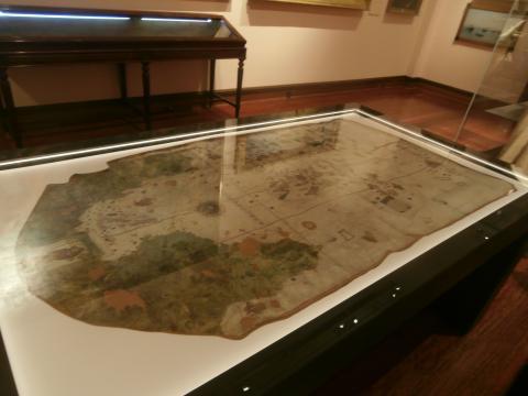 El mapa de Juan de la Cosa donde se muestra por vez primera el nuevo mundo, una de las joyas del museo