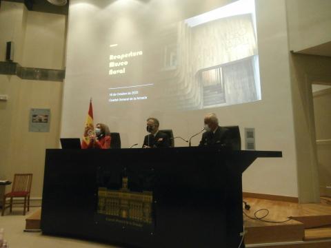 Los almirantes directores y la jefa del proyecto explican las nuevas características del museo