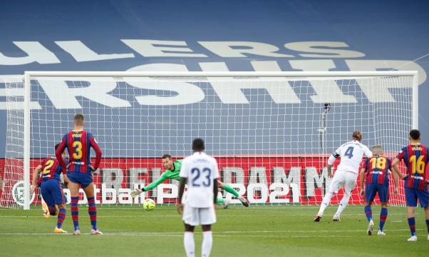 Ramos marcó el 2-1 en un penal muy claro. - www.thesun.ie