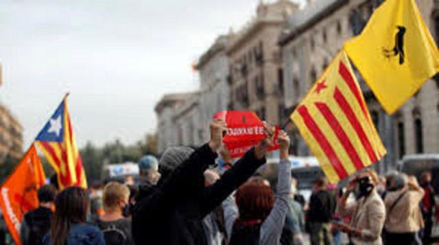Aunque muy bulliciosos el número de manifestantes fue muy escaso