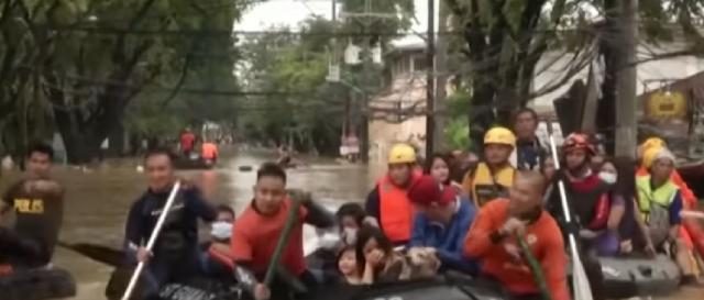 Typhoon Vamco: Rescuers evacuate trapped residents in flood-hit Philippines. [Image source/Global News YouTube video]