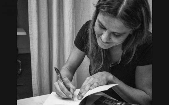 L'autrice e pittrice Serena Maffia.