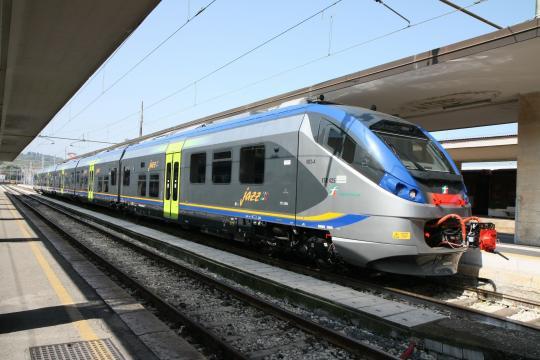 L'Etr425 Jazz realizzato da Alstom per Trenitalia Foto Alstom ... - ilpendolaremagazine.it