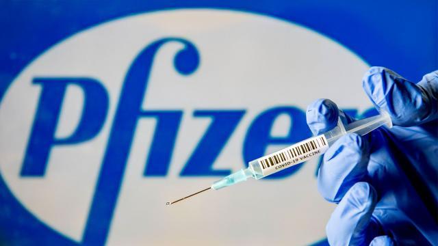 Pfizer y Moderna acaban de presentar su solicitud para la distribución de las vacunas que han desarrollado contra el coronavirus.