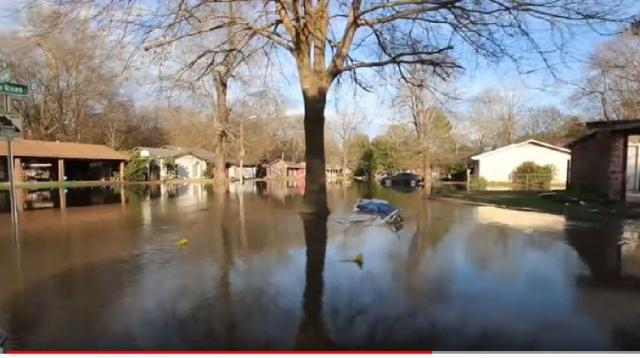 SRT Team assists with Pearl River floods in Jackson. [Image source/MDWFP YouTube video]