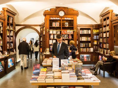 Portogallo, Livraria Bertrand a Lisbona. (Picture from timeout.com)