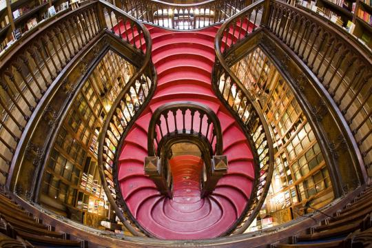 Portogallo. Livraria Lello e Irmao a Porto (picture from arch2o.com)