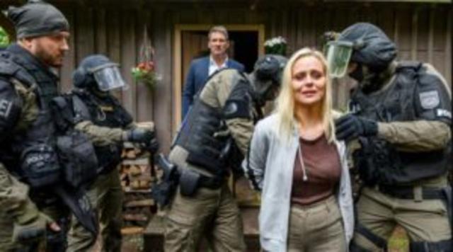 Annabelle viene fatta arrestare da Christoph.