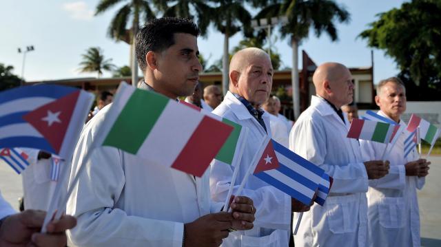 Brigada médica de Cuba viaja a Italia para frenar el coronavirus ... - hispantv.com