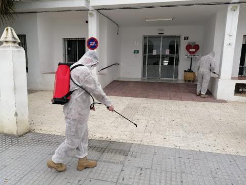 Efectivos de las FAS se afanan en tareas de desinfección