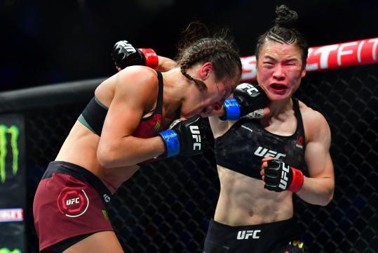 Zhang y Joanna dieron la mejor pelea femenil en la historia. www.usatoday.com
