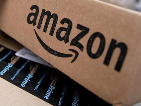Estafa se apropia de logos de Amazon para obtener datos personales.