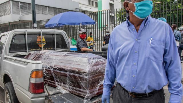 Ecuador struggles to bury coronavirus dead; some bodies lost ... - yourcentralvalley.com