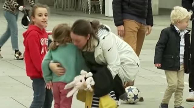Spain lets kids out to play after 6 weeks of coronavirus lockdown. [Image source/DW News YouTube video]