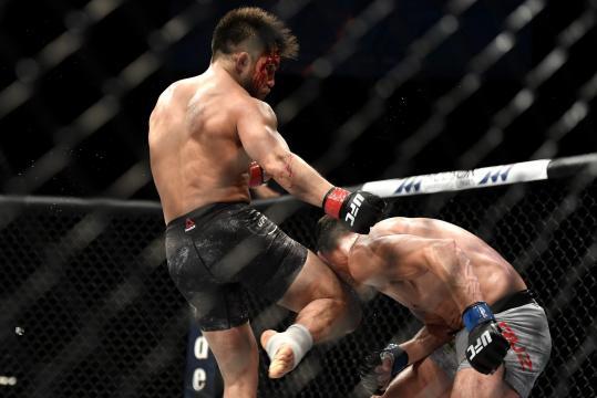 Cejudo venció a su contrincante Cruz por TKO.