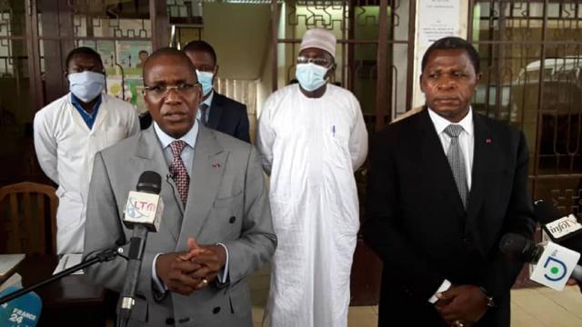 Le Ministre de la Santé Publique et le Ministre de l'Administration Trritoriale (c) Minat
