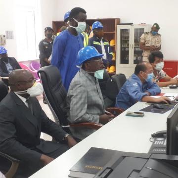 Le Directeur Théodore Nsangou lors de la visite à Memvele (c) EDC