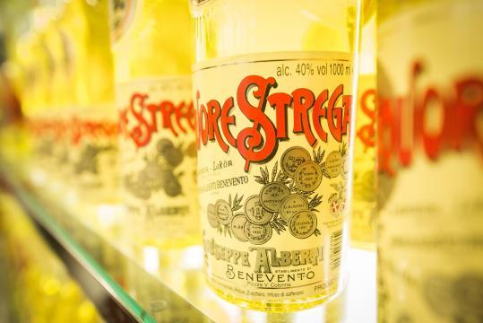 Il liquore Strega da il nome al prestigioso Premio letterario nato nel 1947.
