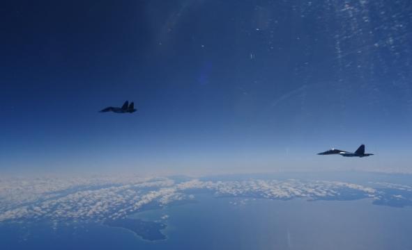 Dos Su-30