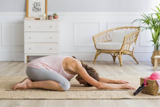 Beneficios de hacer ejercicio y estirar en casa durante el confinamiento