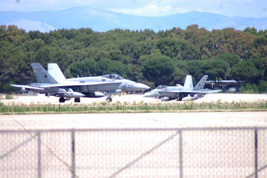 Los veteranos cazas F-18 continuarán en servicio, hasta su remplazo por el nuevo FCAS en proyecto.