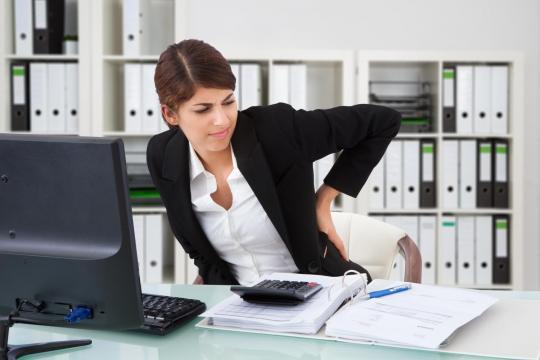 Dolori da ufficio: otto impiegati su dieci ne soffrono - Radio 105 - 105.net