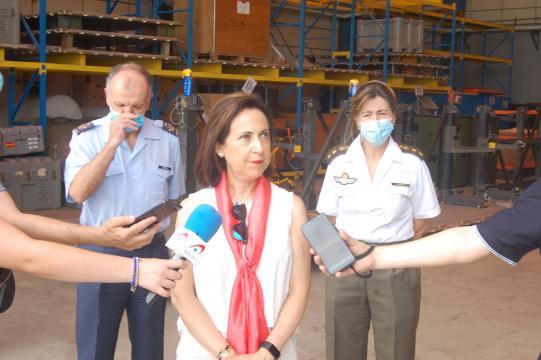 La ministra Robles realizó unas significativas declaraciones a la prensa