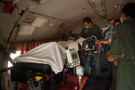 La UMAER ha sabido compartimentar los aviones de evacuación para aprovechar el espacio y transportar a enfermos de Coronavirus sin riesgo