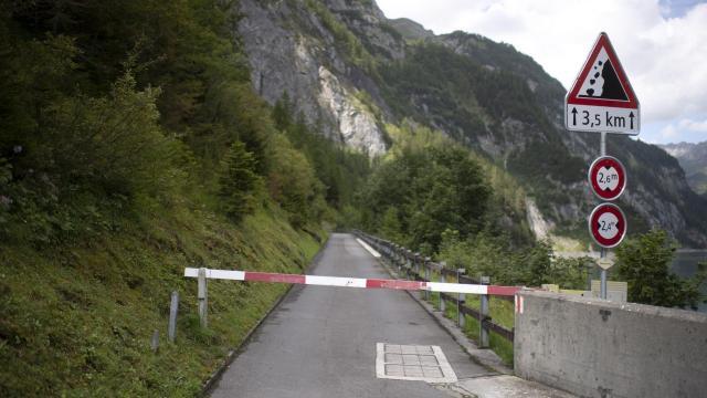 Mueren tres turistas navarros y uno vasco sigue desaparecido en Suiza