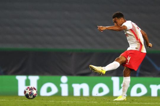 Adams hizo el gol del pase del Leipzig. - standard.co.uk