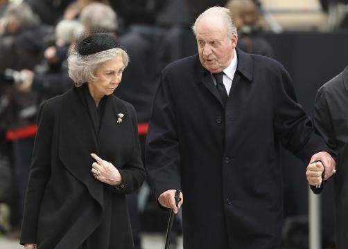 El rey emérito Juan Carlos I abandonó España y se desconoce qué hará la reina Sofía.