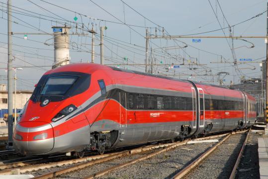 ETR400, meglio conosciuto con il nome commerciale di Frecciarossa1000