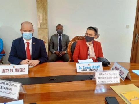 S.E Corrina Fricke au Ministère siège de la Jeunesse et de l'Education Civique (c) Minjec