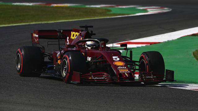 F1, Gp Mugello: le foto della Ferrari in amaranto.
