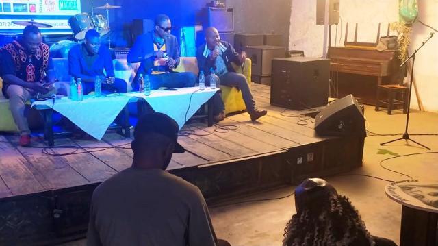Le MACICA durant l'échange avec les acteurs des musiques urbaines (c) Odile Pahai