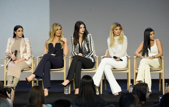 Kourtney Kardashian : L'incroyable Famille Kardashian saison 17 ... - melty.fr