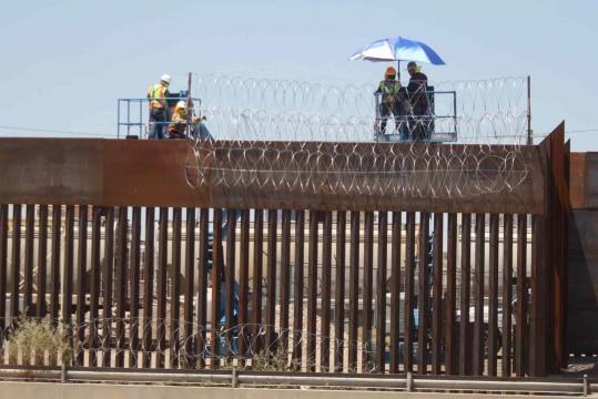 Trump agradece a AMLO su apoyo en la frontera con México.