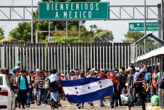 Al menos, 9 mil hondureños salieron en caravana la semana pasada hacia EEUU.