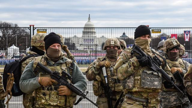 Militarizada y muchas calles vacías: así luce Washington D.C. - telemundo.com