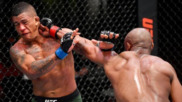 Usman mostró su pegada. UFC.com.