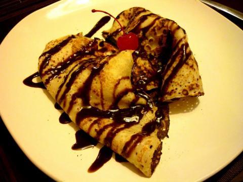 Creps con Helado de Vainilla y chocolate.