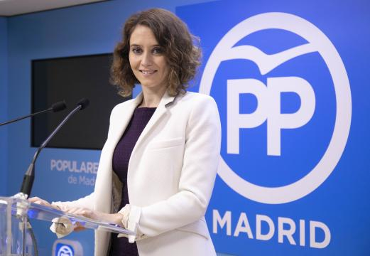 Isabel Ayuso, 42 anni, oltre che politico, è stata giornalista e ufficio stampa dell'ex presidente della Comunità di Madrid Aguirre.