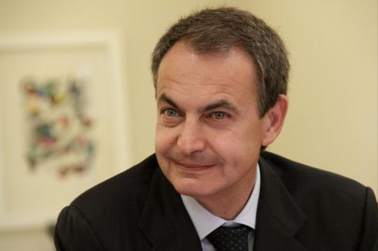 L'ex premier socialista José Luis Zapatero, 60 anni, quindici anni fa lanciò Spainsat per vigilare da 40 km d'altezza. (madariagaseries.com)