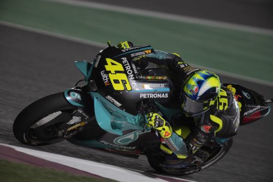 MotoGp, Gp Doha, Valentino Rossi in sella alla Yamaha M1.