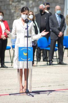 La Reina Letizia se dirige a los presentes en la ceremonia (Foto: Antonio Rodríguez)