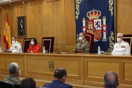 Tribuna presidencial en la entrega de los despachos a los nuevos DEM © Casa de S.M. el Rey