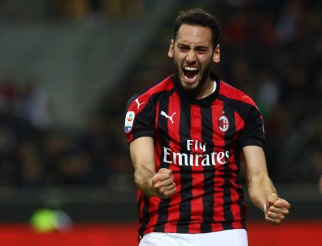 Calciomercato Milan, possibile futuro all'estero per Calhanoglu ... - tuttomilan24.it