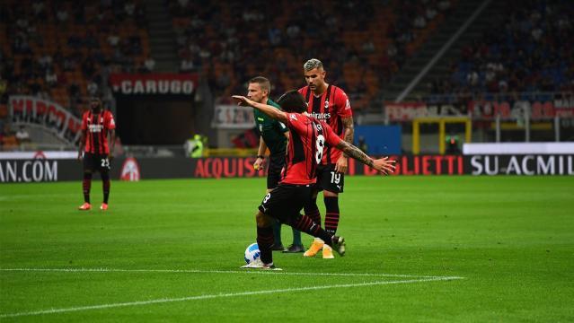 Sandro Tonali segna il primo gol in rossonero che apre il match - foto di acmilan.com