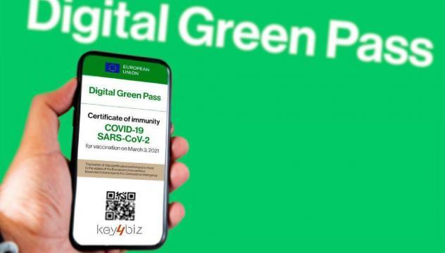 Entro dicembre potrebbe essere introdotto l'obbligo di green pass per i dipendenti statali.